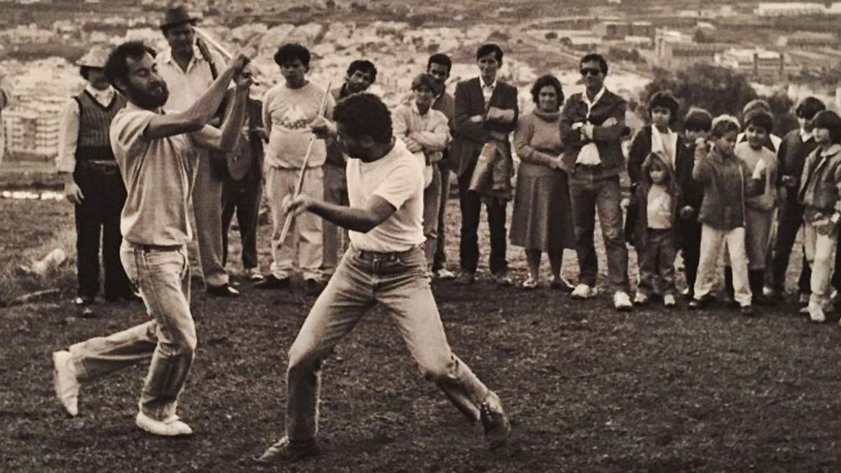 El juego del palo en San Roque, en los años 70 del siglo pasado.