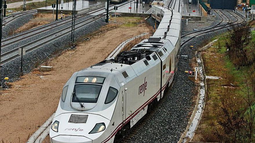 Renfe pone un tren Zamora-Madrid a las diez de la noche en lugar de reponer el madrugador