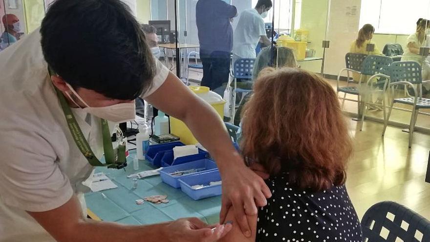 Canarias reduce en 35 la cifra de pacientes ingresados con covid en dos semanas