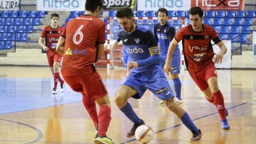 El Nítida Alzira sigue líder en la tabla pese a sufrir una dura derrota