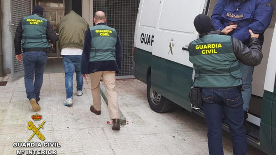 Detenidos los presuntos autores de un secuestro el pasado año en A Lanzada