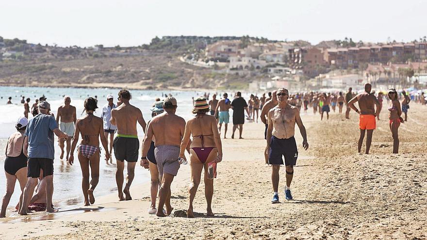 La mitad de San Juan ya está sin socorristas pese a que el tiempo invita al baño