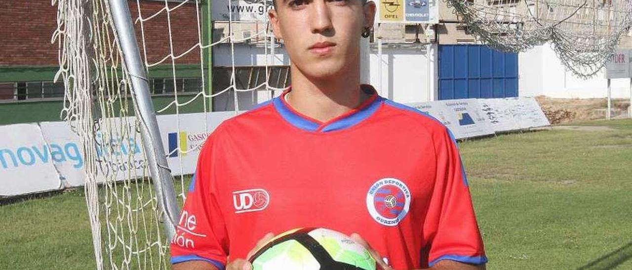 El centrocampista de la UD Ourense David Dacoba Costa. // Iñaki Osorio