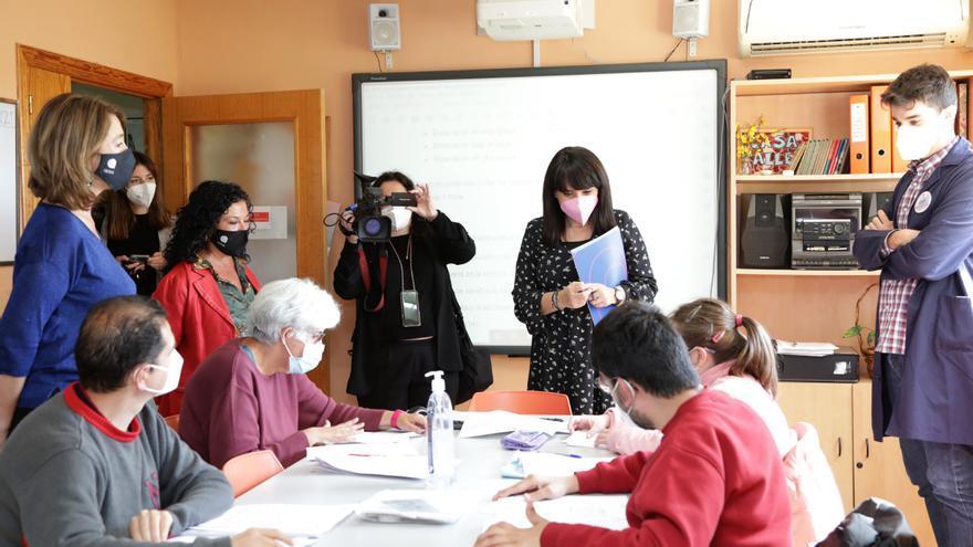 La Diputación firma un acuerdo con APSA para adaptar su agenda cultural a lectura fácil