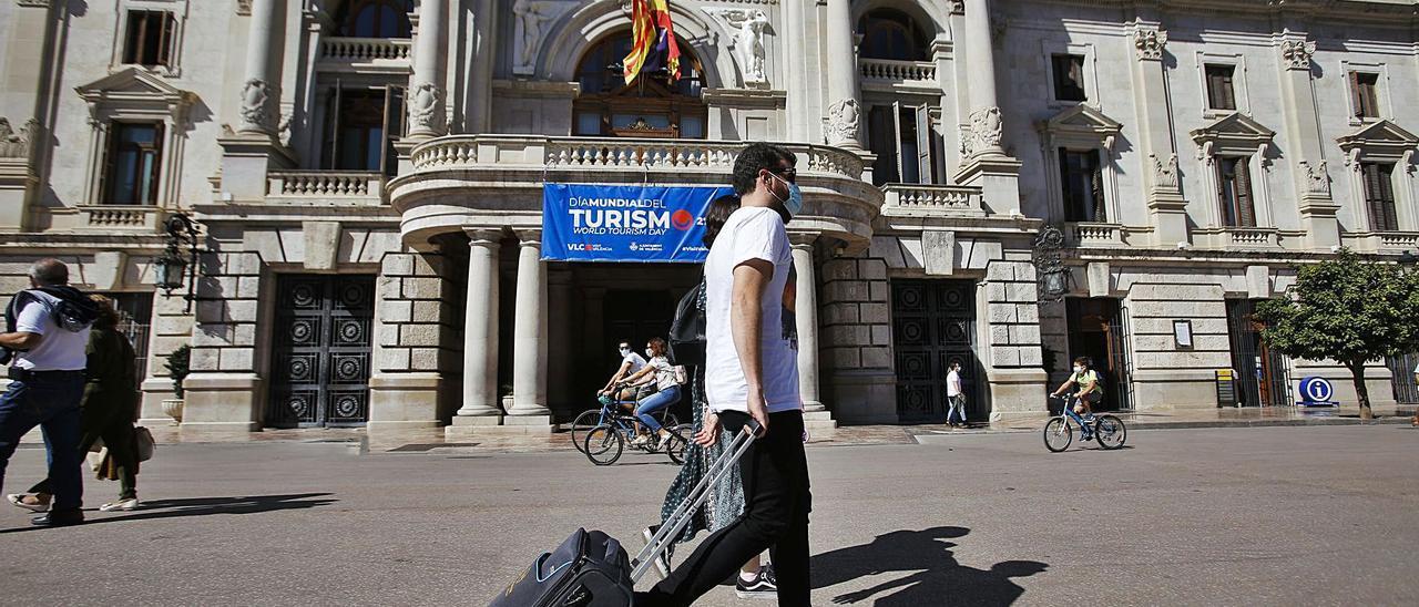 La pandemia destruye 24.000 empleos en el sector turístico de la C.  Valenciana - Levante-EMV