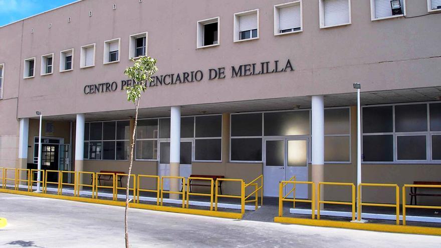 Tres presos huyen a Marruecos en moto de agua desde Melilla cuando disfrutaban de un permiso