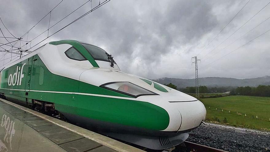 El AVE a Asturias, a la vuelta de la esquina: el lunes comienza la circulación en pruebas