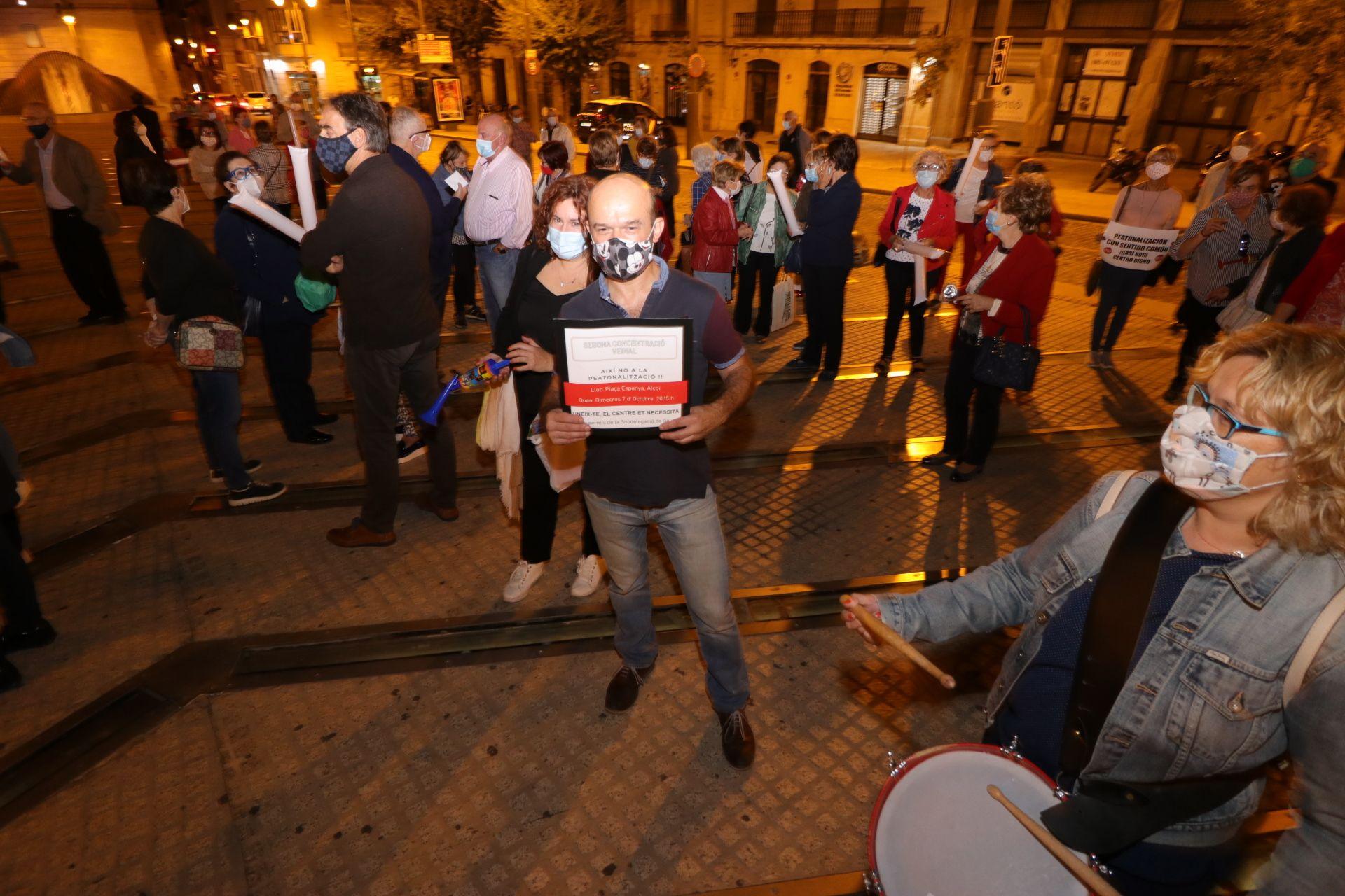 Nueva protesta de los vecinos contra el plan de peatonalización del centro de Alcoy