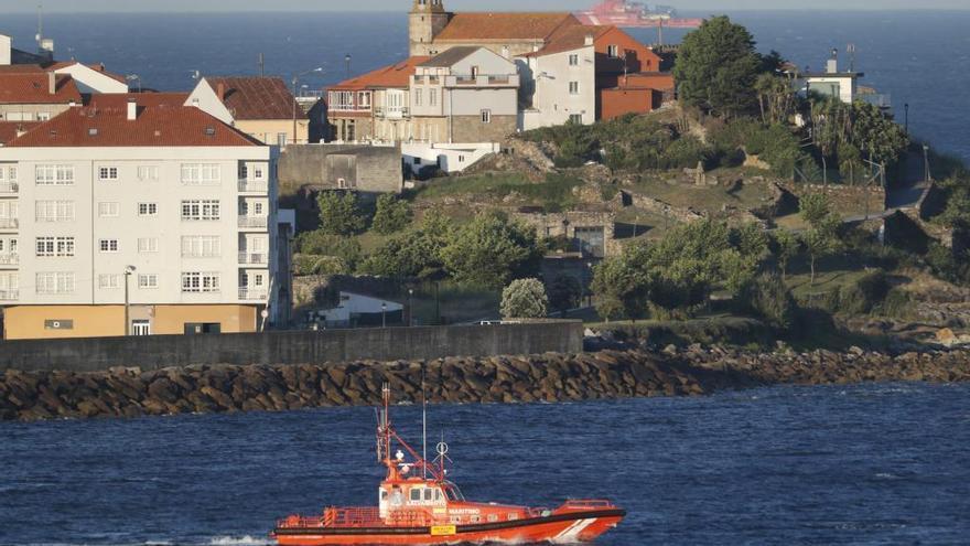 """Salvamento abandona la """"búsqueda activa"""" de los dos desaparecidos en Porto do Son"""