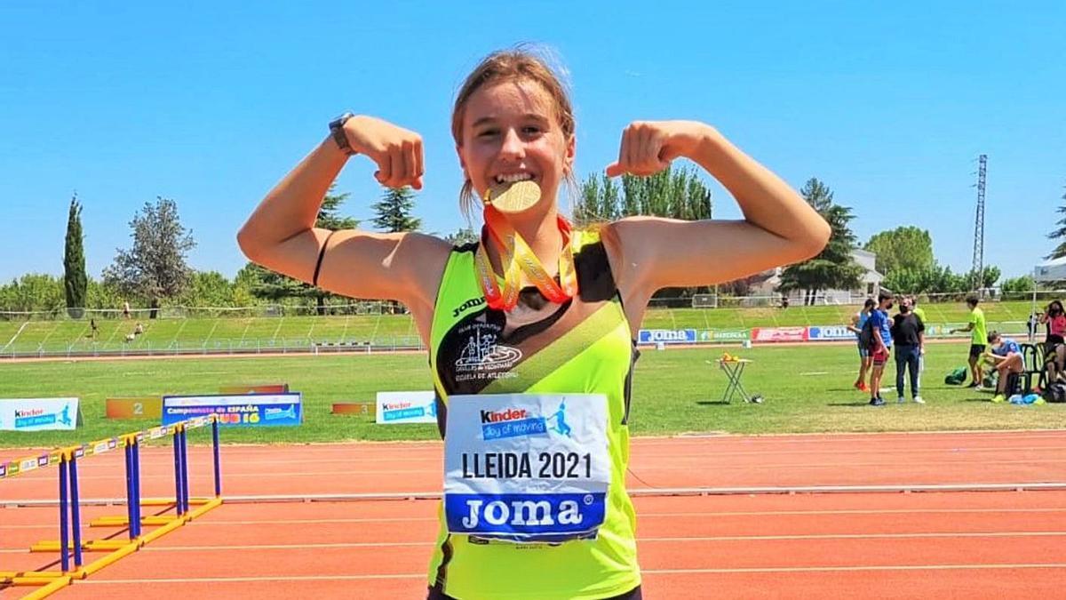 Andrea Monroy, oro nacional sub 16 en exatlón