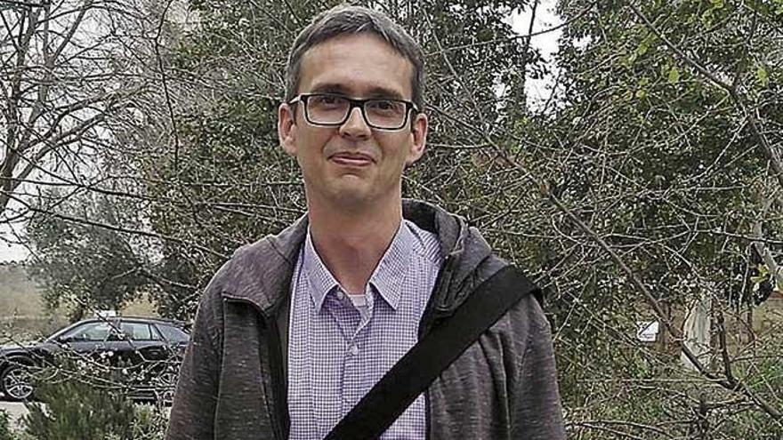 """Michael Grelaud: """"La mitad de  la basura del Mediterráneo  proviene  del turismo"""""""
