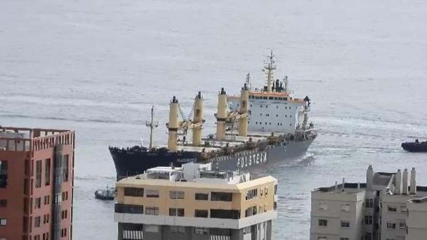 Así fue la operación para evitar que un barco se estrellara contra la Avenida Marítima (26/04/2021)