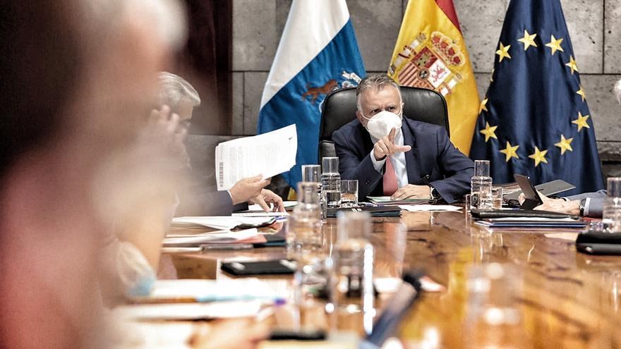 Directo: El Gobierno de Canarias presenta las medidas para controlar la pandemia en Tenerife