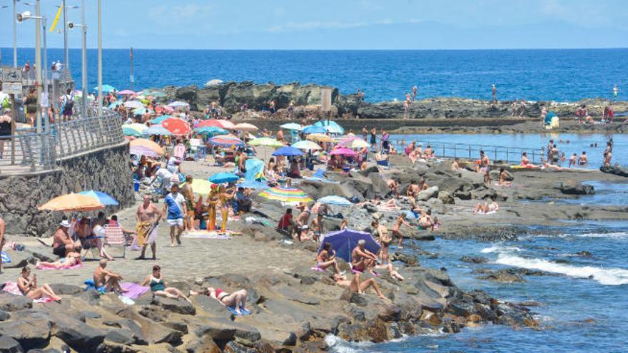 Cámaras con 4G y una app facilitan el control del aforo en las playas canarias
