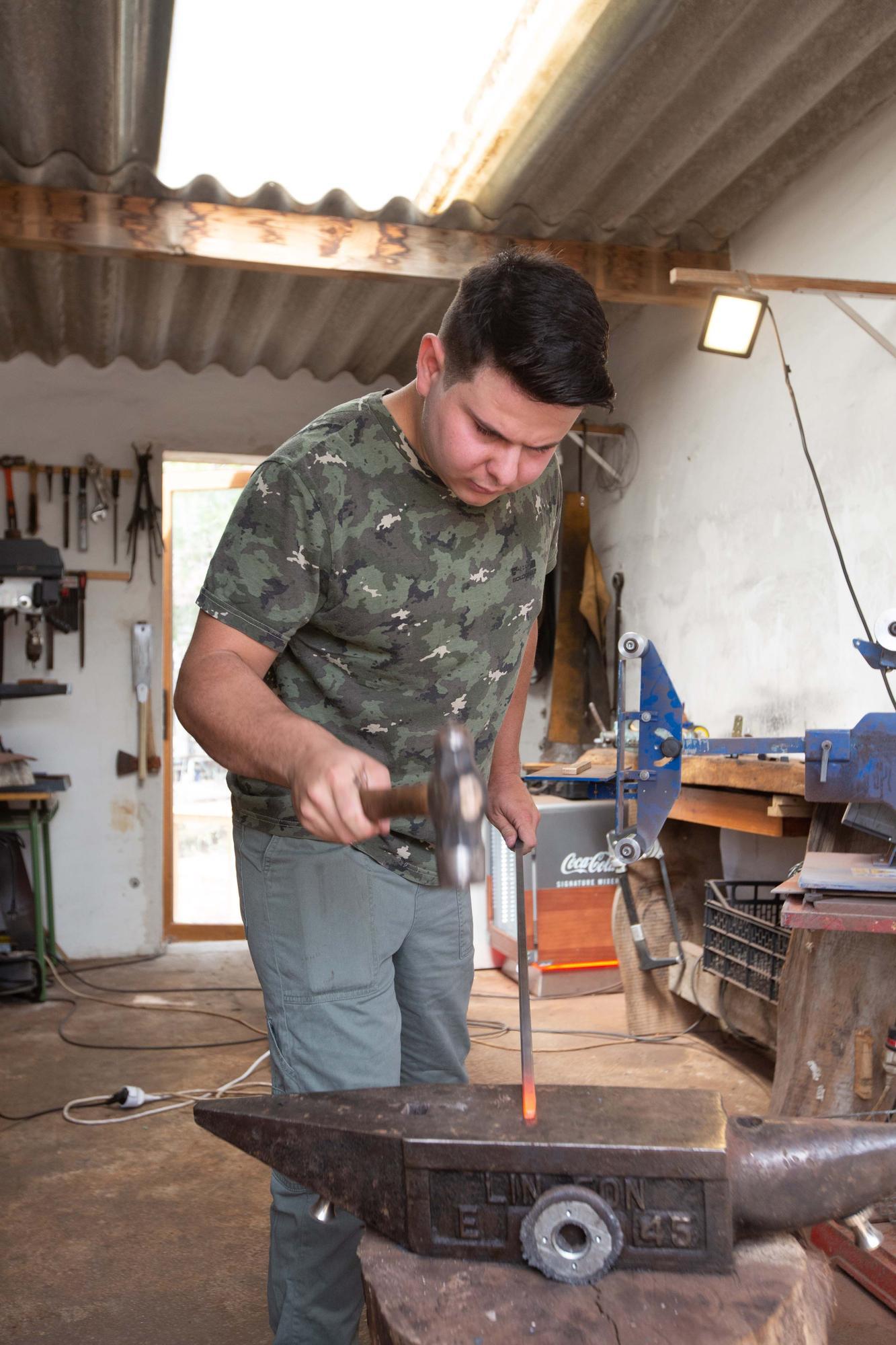 El relevo de la cuchillería de Ibiza