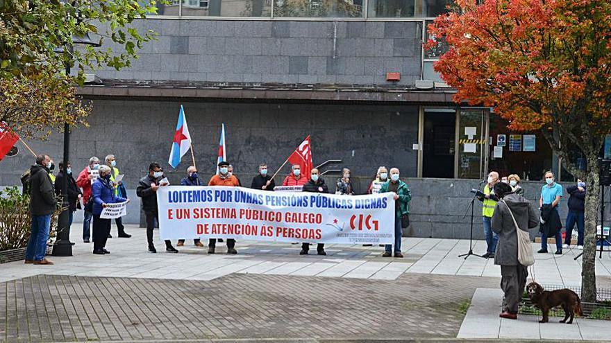 Pensionistas vuelven a concentrarse en Cangas
