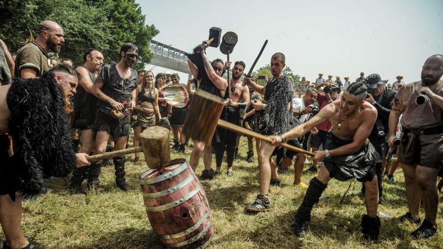 Los fieros vikingos vuelven a la carga en Catoira