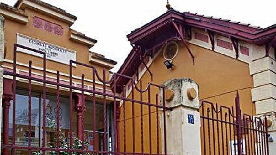 La fachada del Infanta Leonor recupera el color
