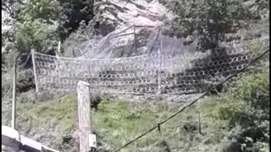 Las voladuras para retirar una roca en Laviana obligan a desalojar vecinos