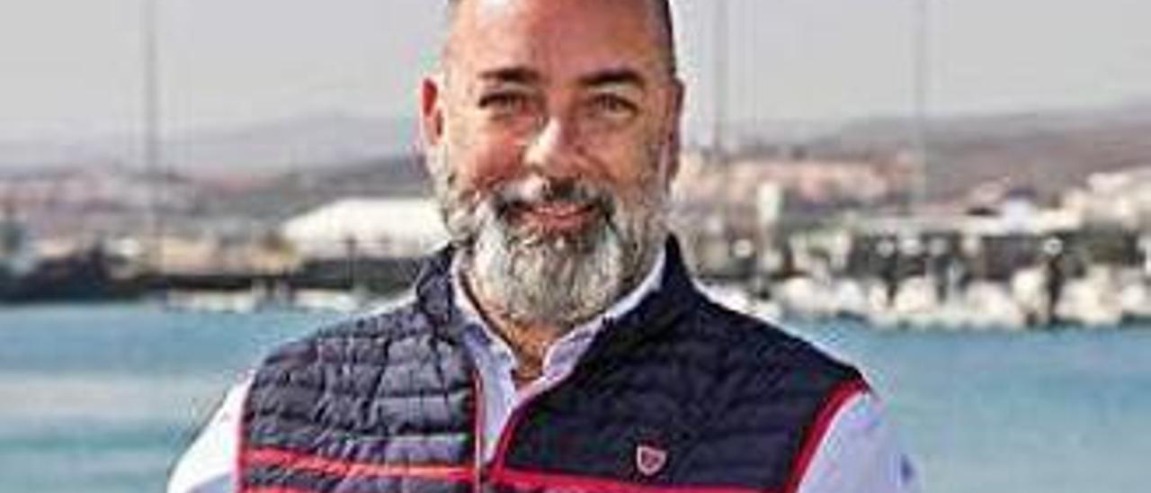 Moisés Jorge, gerente del Patronato de Turismo, en la avenida capitalina.