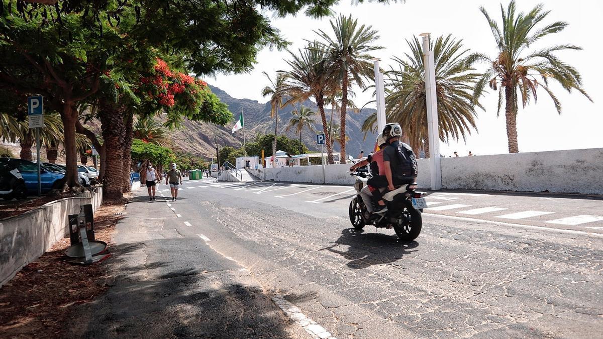 Imagen de archivo del acceso a la playa de Las Teresitas.