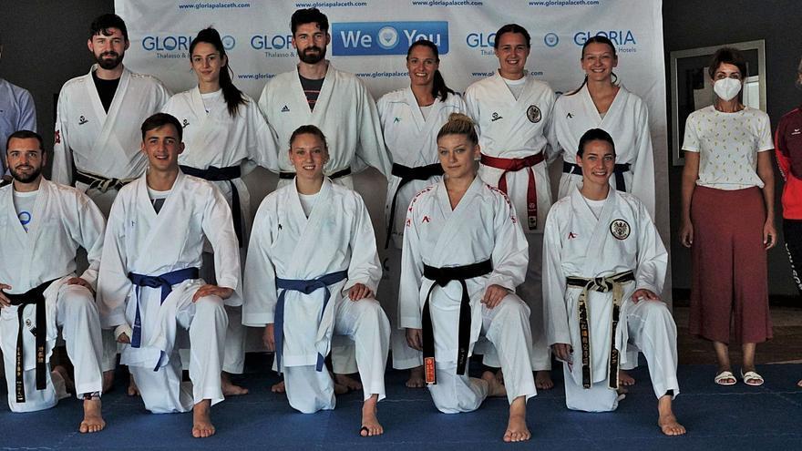 La selección austriaca de karate prepara en Mogán el Europeo
