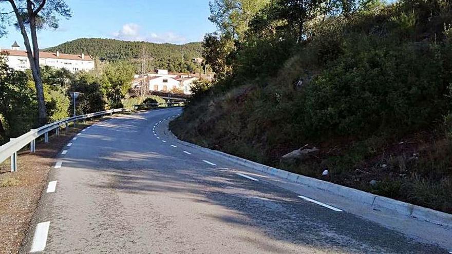 Amplien el revolt d'accés del pont sobre el Cardener a Valls de Torroella
