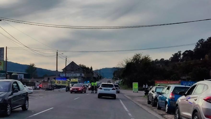 Muere la acompañante en una moto tras impactar contra otro coche en Ponteareas
