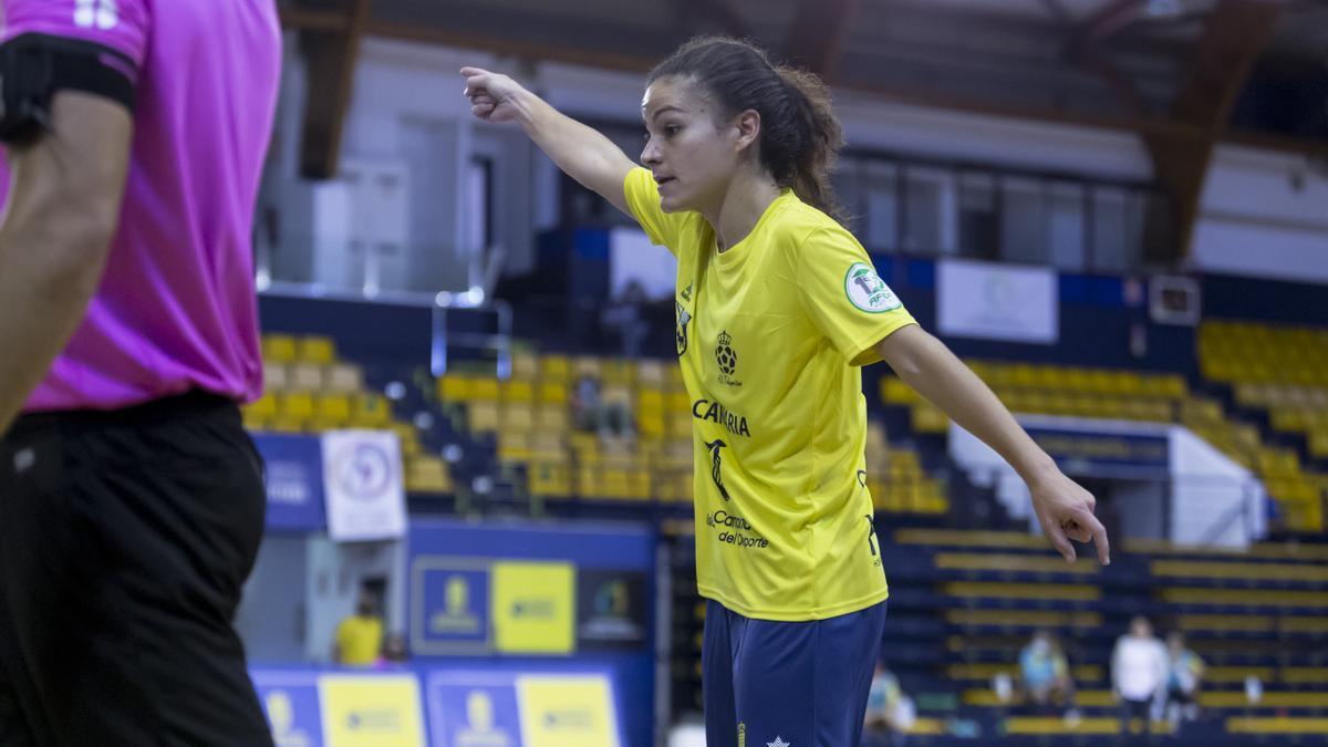 Vanessa, first goal scorer