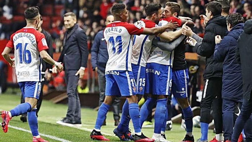 El Sporting arrolla a Las Palmas en El Molinón antes de visitar Riazor
