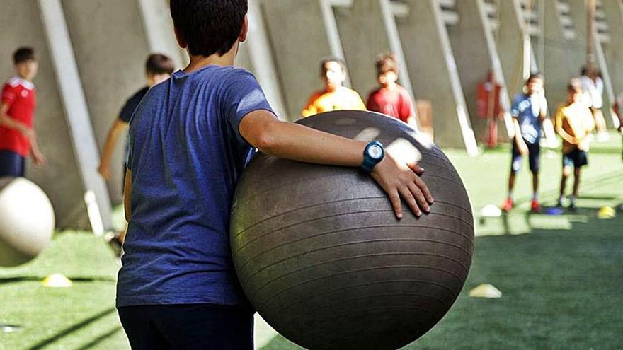 Mil firmas piden mantener con 'formato burbuja' los campamentos de verano