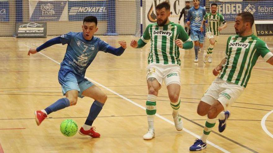 Un mal inicio de partido condena al Peñíscola ante el Betis (2-4)