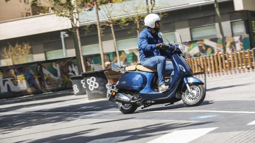 El mercado de motos y vehículos ligeros cae un 12,8%