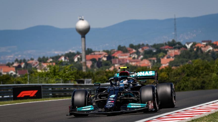 Bottas domina los segundos libres con Alonso, séptimo y Sainz duodécimo