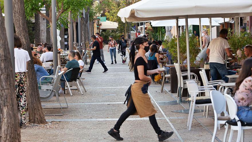 La restauración de Ibiza, ante la apertura de las terrazas sin interrupción: «Esto es como una limosna»