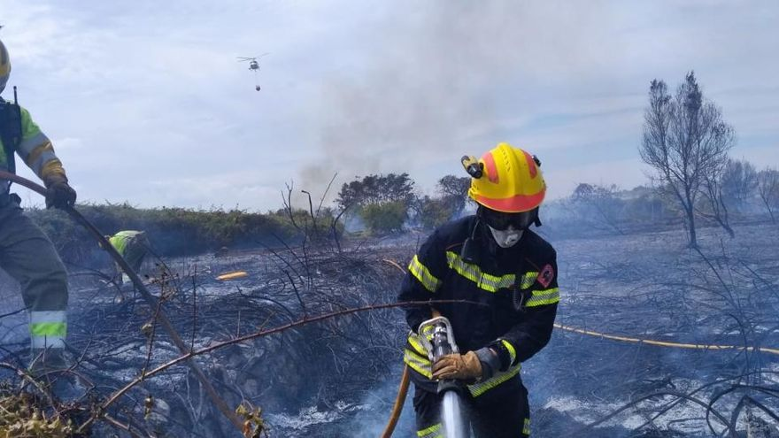 Investigan si un pirómano está detrás de los incendios de estos días en La Marina