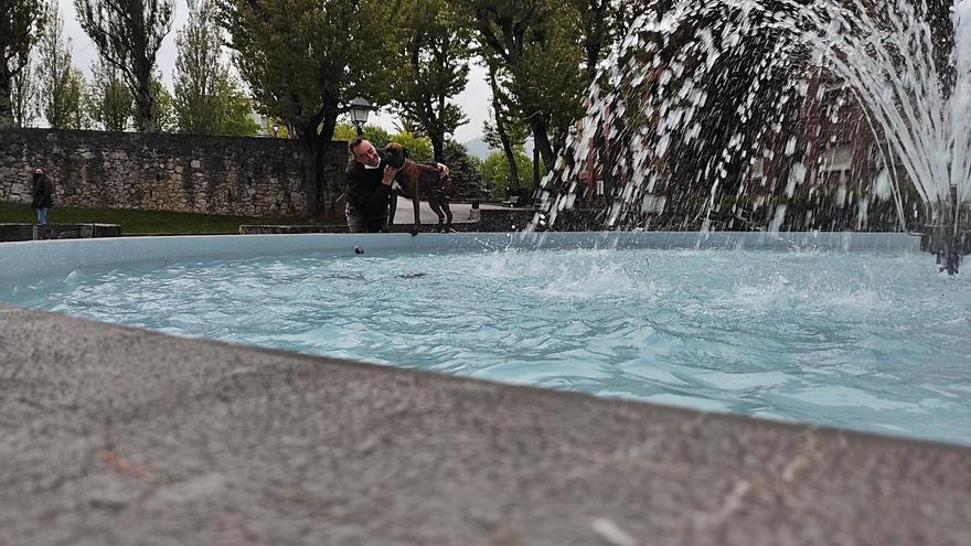 Entra en funcionamiento el estanque del parque de San Pedro, en Ciudad Naranco