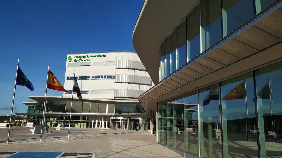 Imagen de archivo del hospital de Cáceres donde ingresó la herida.