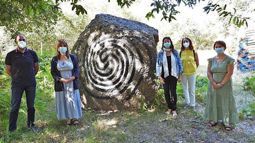 Comienza la restauración del bosque de O Rexo, del pintor Agustín Ibarrola