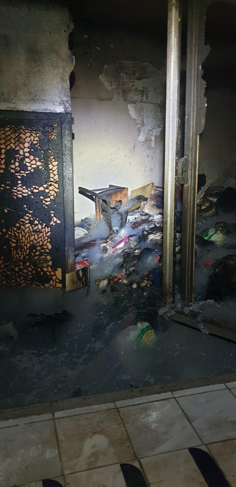 Un incendio destruye una vivienda en Son Gotleu