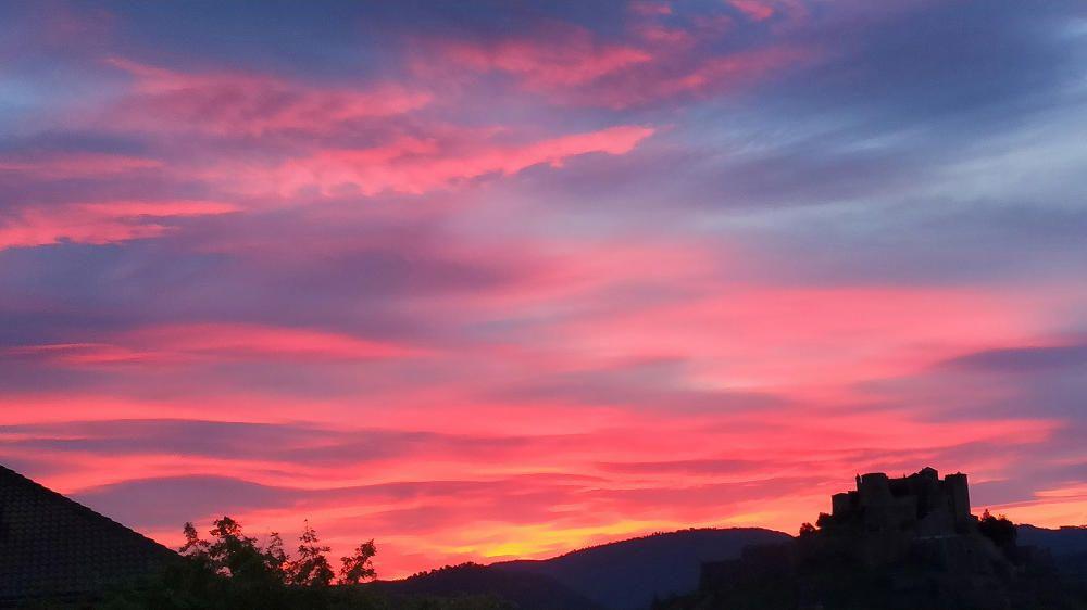 Bonic cel rogent a Cardona, que ens deixava una fotografia de postal.