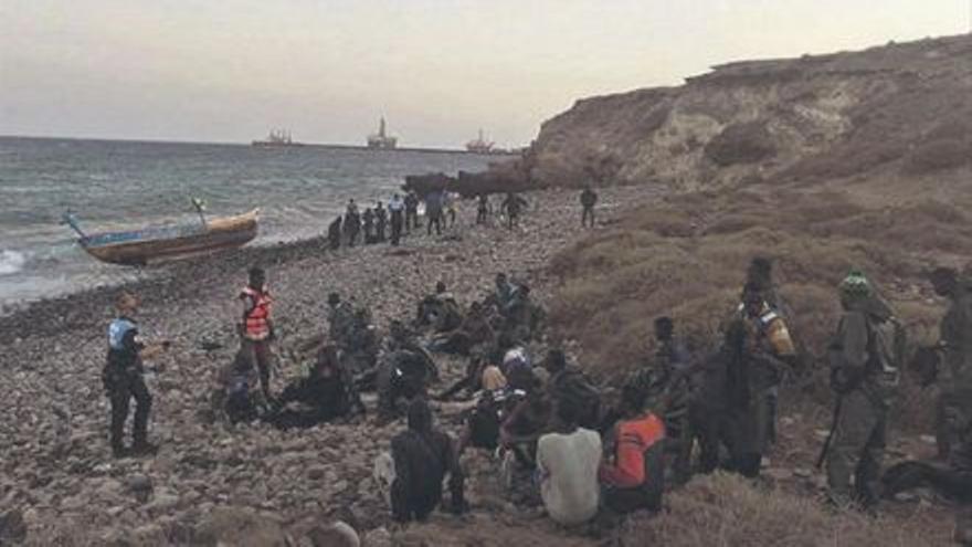 Entidades humanitarias cargan en el Senado contra la gestión de la migración