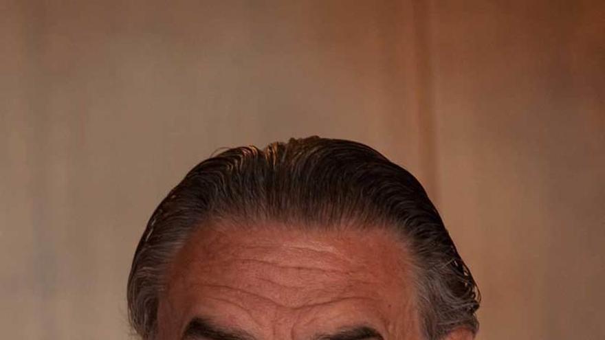 El asturiano Javier Vallaure de Acha, ascendido a embajador de carrera