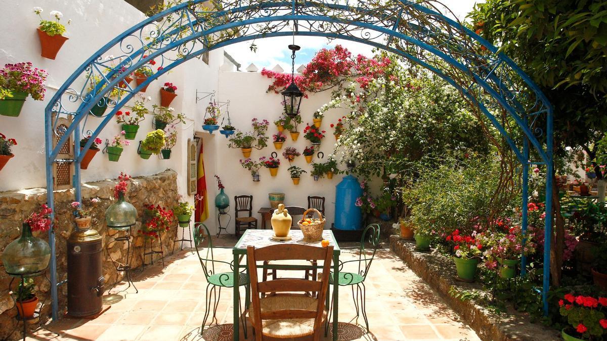 Imagen del patio de la calle Francisco Salto, 48 de Rute.