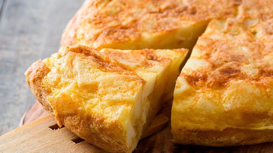 Descubre cómo hacer la mejor tortilla de patatas de una forma fácil y rápida