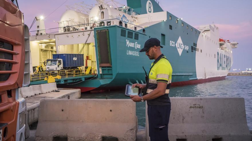La recuperación del turismo impulsa el movimiento de mercancías en el Puerto de Las Palmas