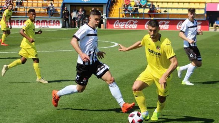 El Ontinyent logra un punto en Villarreal pero regresa a puestos de descenso