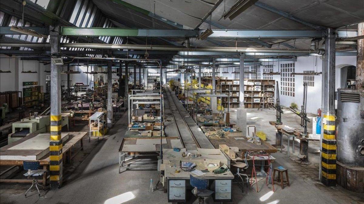 Los rebrotes cortaron en agosto la recuperación de la actividad manufacturera en España