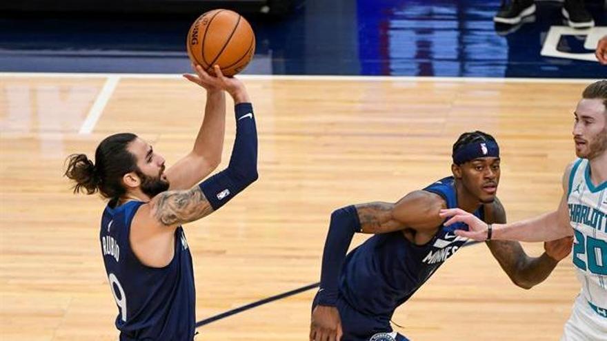 Los Hornets aplastan a los Timberwolves por 33 puntos