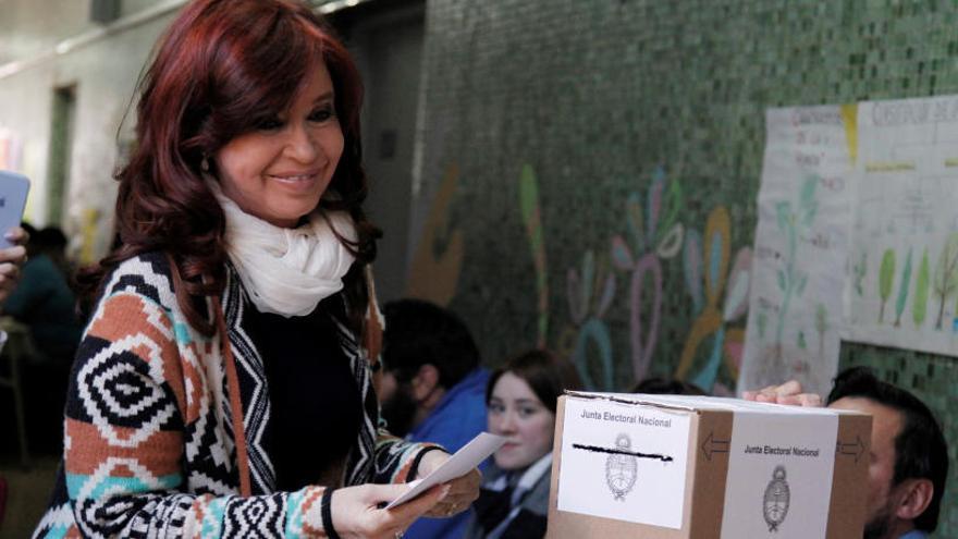 Los favoritos a la Casa Rosada votan en una primera vuelta sin contratiempos